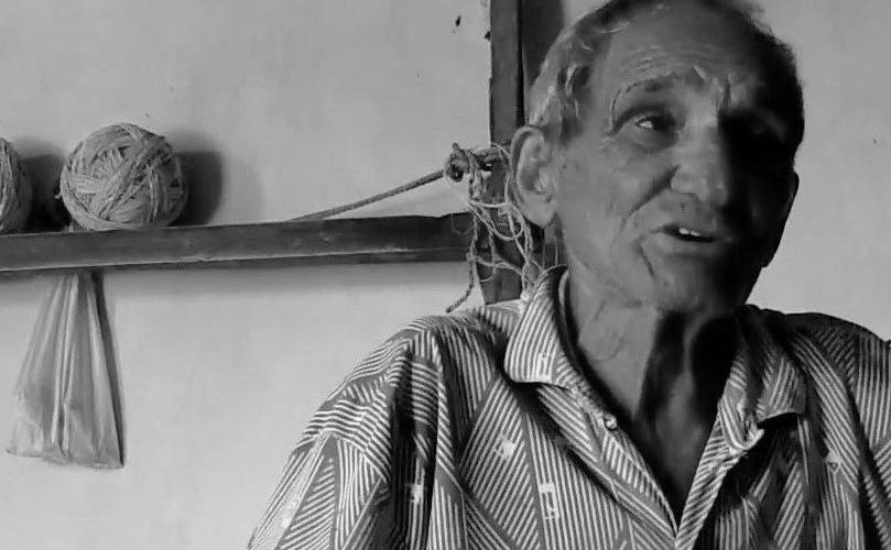 Pedro Santinho, renomado rezador da cidade de Tucano (BA). Reprodução do vídeo feito por Helenita Monte de Hollanda