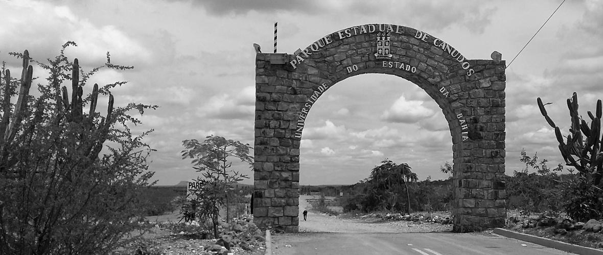 A entrada do Parque de Canudos, que é mantido pela Universidade Estadual da Bahia (Uneb). Foto: Paulo Oliveira