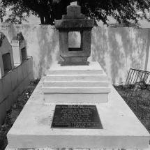 Sepultura onde supostamente os soldados foram enterrados, na verdade só abrigou dois corpos. Foto: Paulo Oliveira