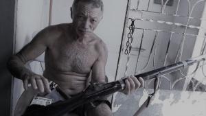 O pernambucano José Cordeiro pagou R$ 60 pelo bacamarte que usa há dez anos. Foto: Paulo Oliveira
