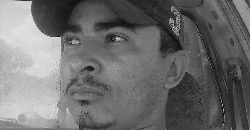 Junsandro Ferreria, de Jacobina (BA), conta que parou de caçar por causa da caipora. Reprodução do Facebook