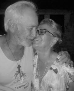 Carmelita e o marido Samuel. Reprodução do Facebook