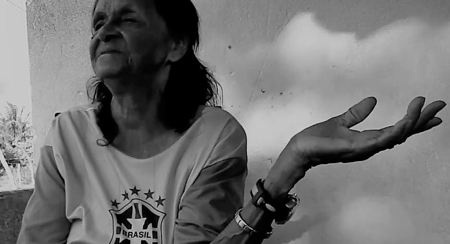 Dona Maria conseguiu salvar o filho e teve outros 14. Foto: reprodução do vídeo de Helenita Monte de Hollanda