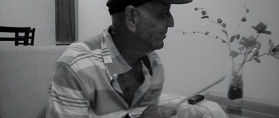 Misael Carneiro, líder do Samba de Pedrinhas e tocador de cuia. Riachão de Jacuípe. Foto: Paulo Oliveira