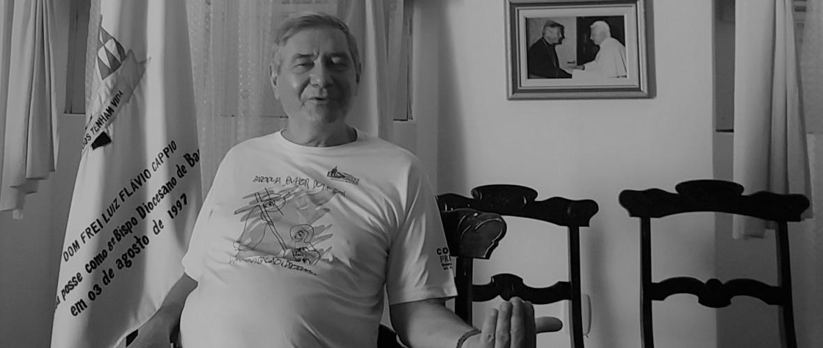 Dom Luiz Cappio diz que só haverá mudanças quando o pessoal que está fazendo mal ao país for varrido de seus cargos. Foto: Paulo Oliveira