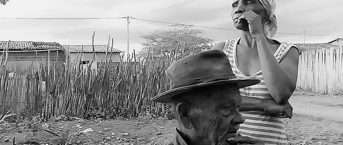 Guilherme, 93 anos, e sua atual mulher Neli, 46. Foto: Paulo Oliveira