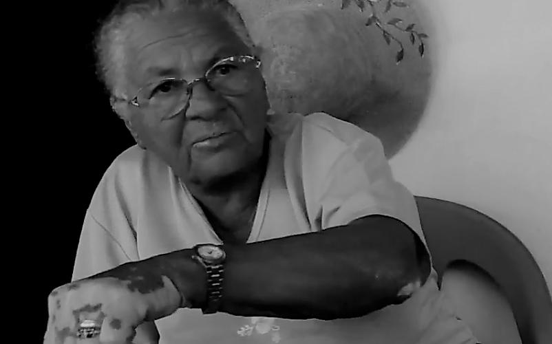 Dona Zifa conta a versão que aprendeu sobre os anjos caídos. Reprodução do vídeo de Helenita Monte de Holanda