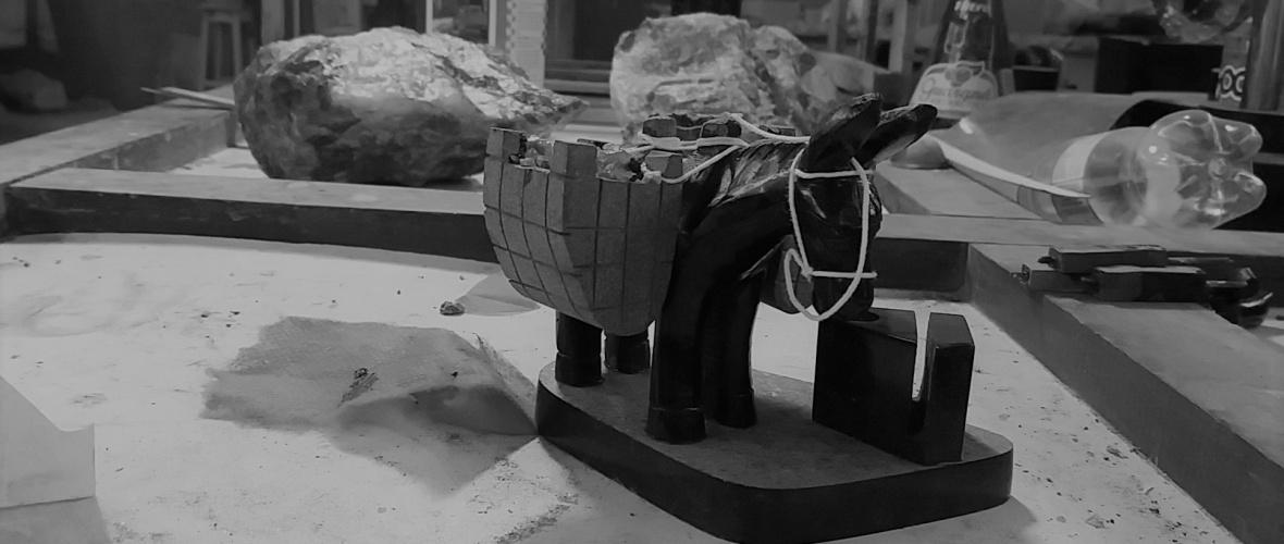 O jegue com caçuás é vendido por R$ 25 na Associação de Artesãos. O preço varia em outros pontos da cidade. Foto Paulo Oliveira