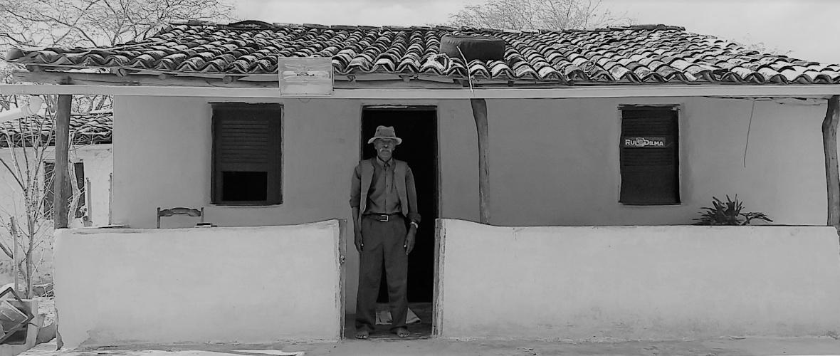 Aos 83 anos, seu Dunga nunca teve seu trabalho reconhecido pelos governos estadual e dos municípios de Iaçu e Santa Teresinha. Foto: Paulo Oliveira