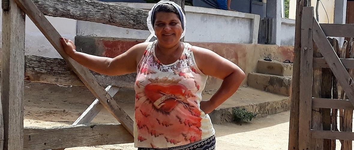 Genésia, 47 anos, moradora na localidade de Alagadiço, no povoado de Água Preta. Foto: Paulo Oliveira