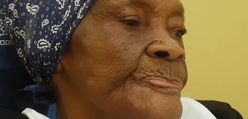 Dona Maria Inácia, 107 anos, aprendeu a rezar erisipela com a mãe. Reprodução do vídeo d  Helenita Monte de Hollanda.