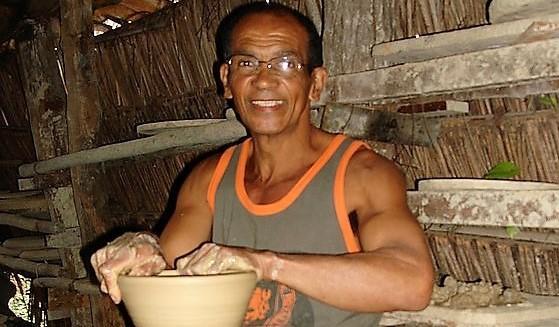 Ceramista Taurino Silva, o Zé das Baianas. Foto: www.artesbrasileira.wixsite.com