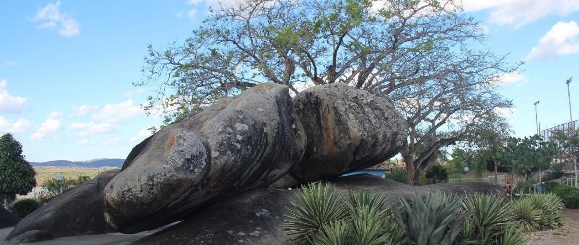 Pedra da Paciência, cartão postal de Itabi. Foto: Camila Gabrielle