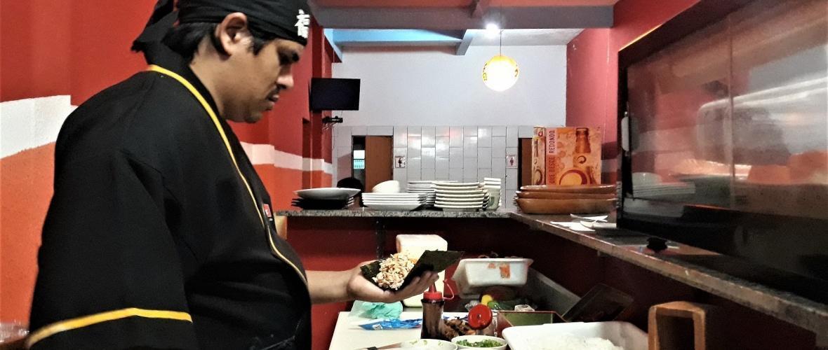 Pedrinho Cícero, 33 anos, sushiman e dono de restaurantes em Cordeiros (BA).