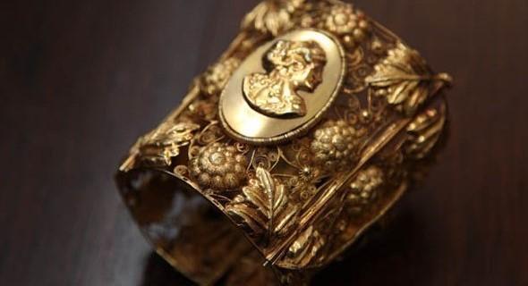 Joia dada para escrava por seu senhor como forma de demonstrar a riqueza dele. Foto: Museu Costa Pinto