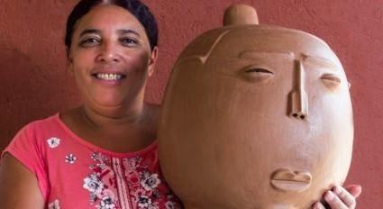 As cabeças são diferencial da obra da artista de Belo Jardim. Foto César de Almeida/Artesanato de Pernambuco