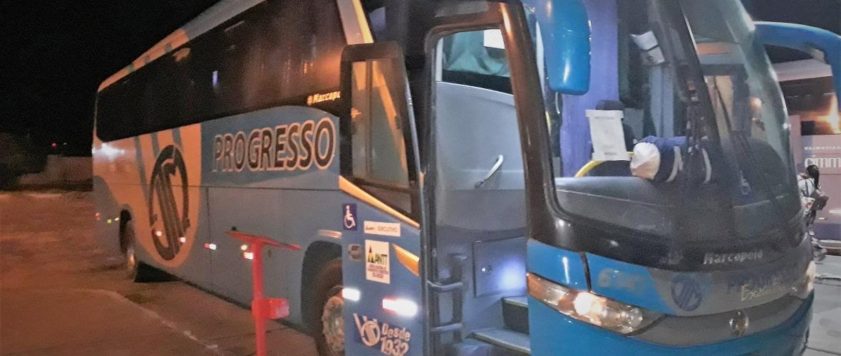 Ônibus que fez a sofrida viagem entre Arcoverde e Paulo Afonso. Foto: Paulo Oliveira