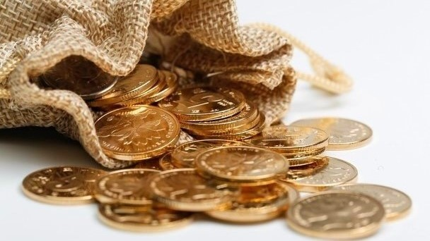 Saco de estopa com dinheiro