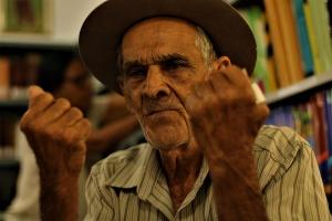 Joanésio Alvino de Oliveira, 83 anos, agricultor e carpinteiro. Foto: Paulo Oliveira