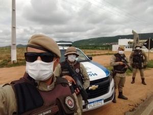 PMs fazem blitzes em busca de ônibus clandestinos vindos de São Paulo. Foto: Montesanto.net