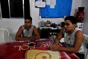Henrique Messias e Jorge Luís de Andrade, associados da fábrica de gelo. Foto: Severino Silva