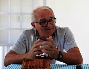 Padre Antônio na casa de hóspedes das associações. Foto: Severino Silva