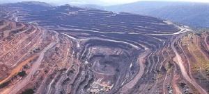 Exemplo de mina a céu aberto, em Paraupebas (PA). Foto: Vale