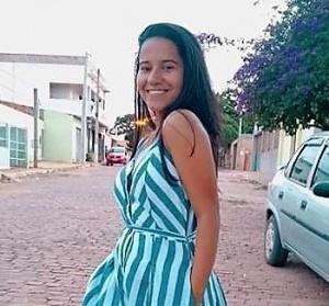 Amanda Silva fará vestibular para medicina. Arquivo pessoal