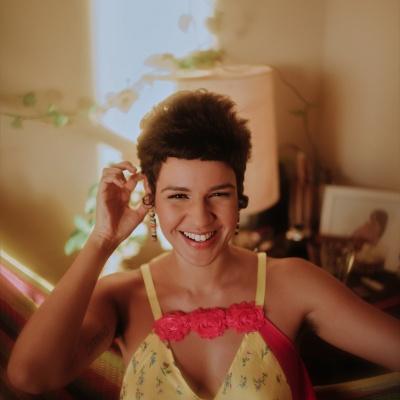 Ana Barroso, cantora e atriz. Foto: Taylla de Paula/Divulgação