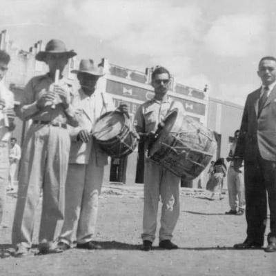 Zabumba é como os canudenses chamam a banda de pífanos que anima as festas de Santo Antônio. Acervo de Eldon Canário.